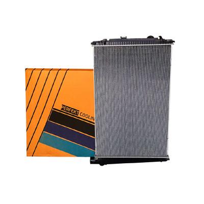Радиатор охлаждения двигателя DAF CF 85 (без рамы)